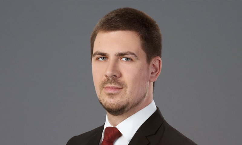 Uroš Topić - Senior Associate